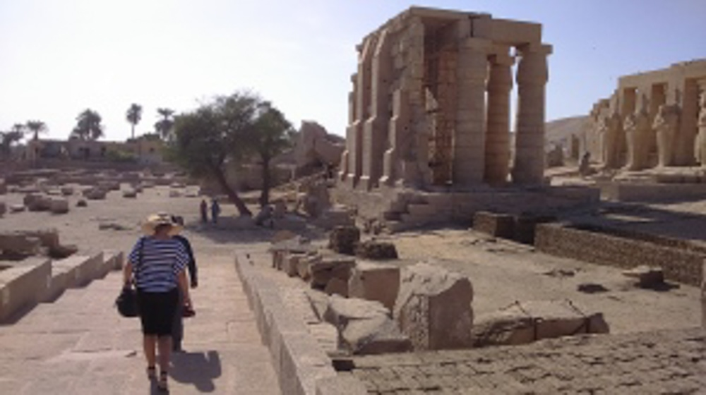 Луксорский храм и музей, Мединет Абу и Рамессеум
