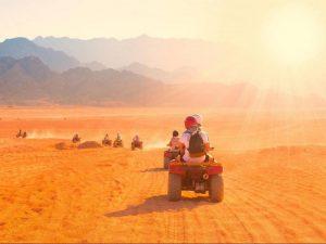 Рассвет в пустыне на квадроциклах